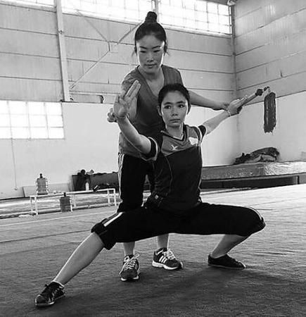 沧州姑娘任老挝国家队武术教练 8岁开始习武(