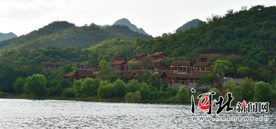 走进京西百渡特点小镇:修建高端度假养生新体验