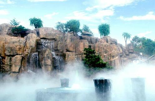 距河北省省会石家庄市区约110公里,是太行山森林公园精华所在.