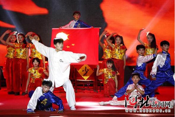 """正定县举办""""少年中国梦""""少儿春晚(图)"""